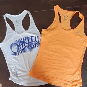 2 oakley tank bundle
